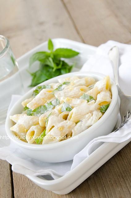 Pasta con Salsa al Basilico-Pasta with Basil Sauce