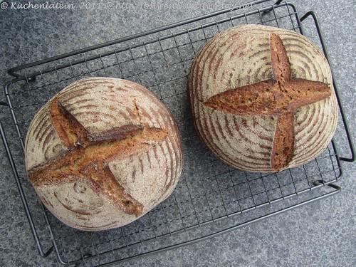 ©Black Bread - Schwarzes Brot  Hamelman (1)