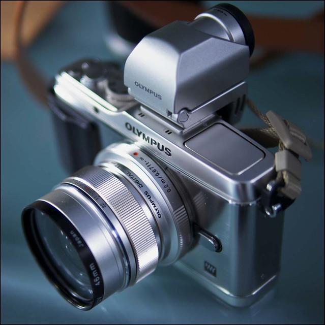 Panasonic Leica m4/3 25mm f/1.4 Olympus E-PL1
