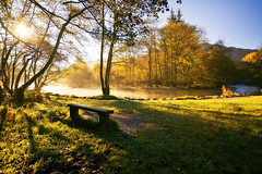 a beautiful morning (Dennis_F) Tags: uk autumn england mist lake fall water fog zeiss sunrise river bench landscape wasser nebel unitedkingdom district sony united herbst wide lakedistrict bank kingdom fullframe dslr fluss landschaft sonnenaufgang lakeland ultra ssm thelakes 1635 uwa thelakedistrict weitwinkel dampf ultrawideangle wasserdampf uww a850 163528 sonyalpha sonydslr vollformat zeiss1635 sal1635z cz1635 sony1635 dslra850 sonya850 sonyalpha850 alpha850 sonycz1635