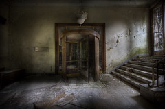 Hotel entrance & Lobby (andre govia.) Tags: abandoned stairs hotel decay entrance motel andre creepy lobby explore derelict urbex swingdoors govia