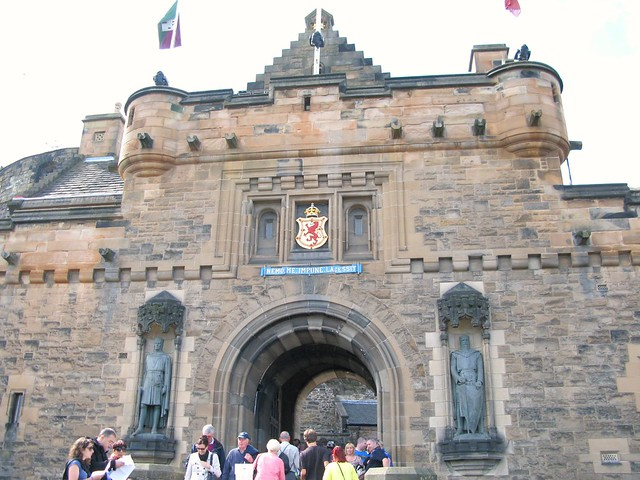 Robert the Bruce and William Wallace... guarding Edinburgh castle's gate. | Emma Lamb