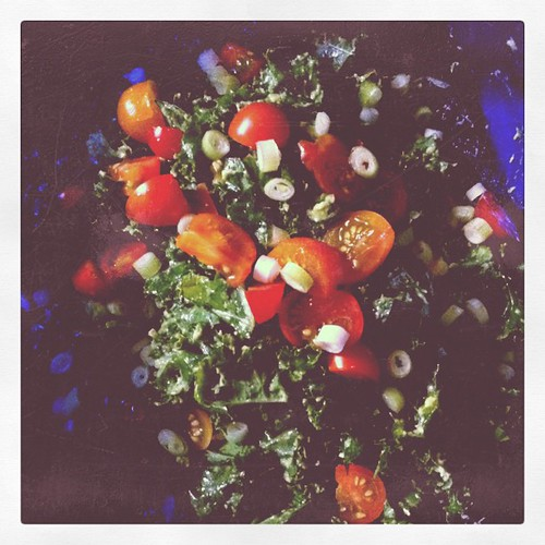 Kale & avocado salad