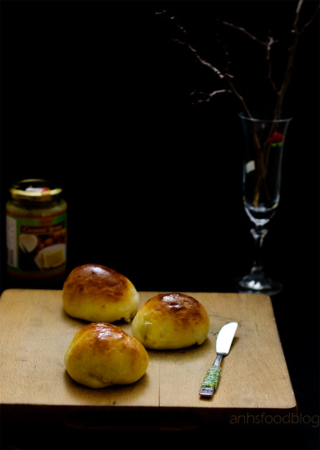 Creamcheese buns with kaya filling