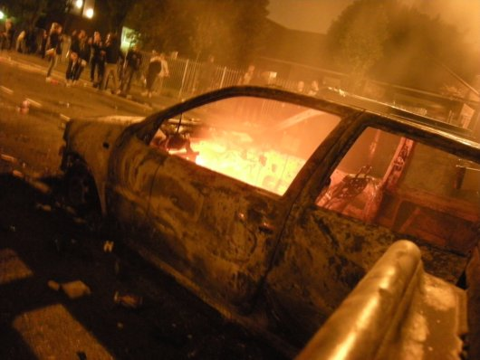 London Riots Car Burn_small