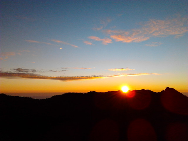 Sunrise Di Puncak Gunung Ciremai