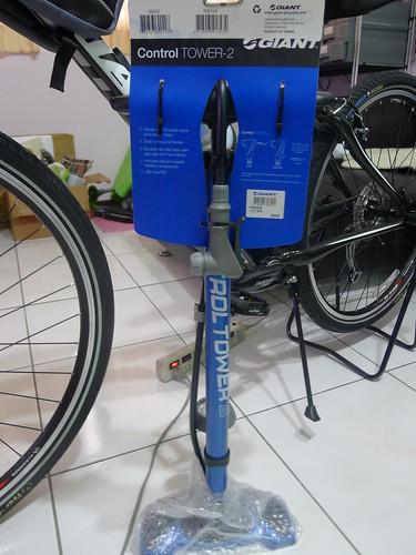 Giant 立式打氣筒 (附氣壓表)