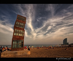 L'Estel ferit Vs Hotel W [Barcelona] (Fototerra.cat) Tags: barcelona sea sky tower beach glass architecture mar arquitectura torre cel catalonia escultura sculture 1992 catalunya whotel platja pasoscatalans ferro bofill labarceloneta mediterrani rebeccahorn vidre hotelw estelferit mygearandmeplatinum mygearandmediamond dblringexcellence hallglorymorningwaysep2011