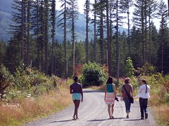 Friends (RaeDays) Tags: road friends nature walking trail plaid brads stylish closefriends blackbags blueshorts fullofcolours strippedskirt withjeans purpleplaid whiteshirtsandbluejeans skirtcameras