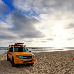 venice beach lifeguard (Eric 5D Mark III) Tags: california blue sunset sky usa cloud seascape color beach water car yellow contrast canon square landscape photography losangeles unitedstates perspective lifeguard vehicle venicebeach ericlo ef14mmf28liiusm eos5dmarkii