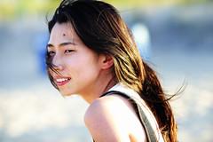 AIG 2 (1-2-3 cheese) Tags: portrait girl nikon bokeh candid streetphotography streetshot vietnamesegirl gáixinh d700 chuplen nikond700 nikon135mmf2 nikon135mmf2dc gáiviệtnam