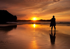 Good times II (Ahio) Tags: sunset sea sun reflection clouds shoreline smcpentaxda1224mmf40edalif pentaxk5