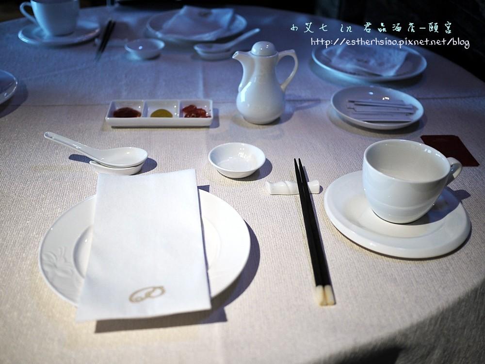 4 餐具也很高級