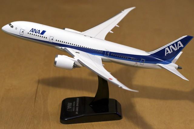 ANA Boeing 787 1/200 model