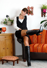 Classy German brunette in boots (Barbies Land) Tags: woman girl boot boots femme preppy babe german brunette bonne bcbg brune botte classe bottes classy bonnasse allemande bourgeoises