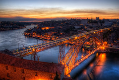 Dom Lus Bridge, Porto (seedosip) Tags: sunset portugal puente atardecer porto hdr vilanovadegaia nikkor1870mm nikond200 5exp domlusbridge