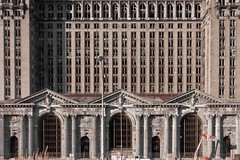 (Alex Vetri) Tags: old urban station eos decay michigan detroit central shift cano 17 mm renovation non exploration tilt piu urbex abbandono abbandonata 40d
