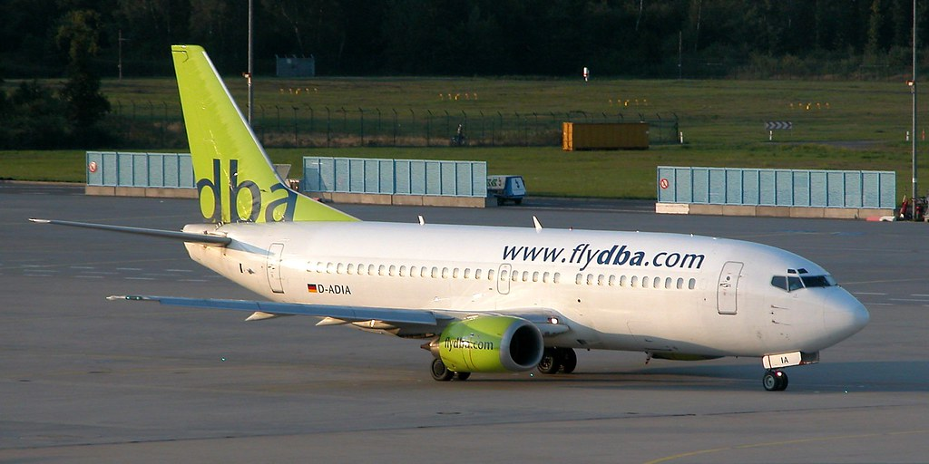 Mit der dba, hier eine Boeing 737 am FLugahfen Köln-Bonn, kamen die innerdeutschen Strecken.  Foto: Christian Maskos