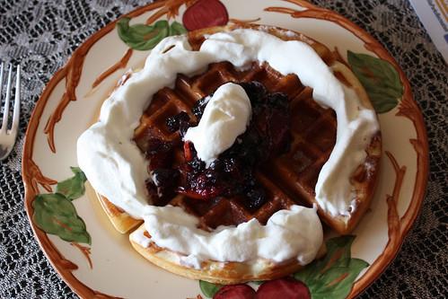 blueberry-nectarine-waffles-4