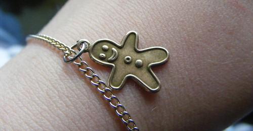 gingerbread bracelet