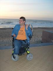 S6300322 (ampulove.net) Tags: above alex belgium wheelchair knee left amputee legless mariakerke