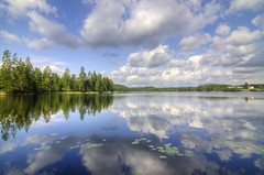 Mirrored sky (DarkFrame) Tags: sky lake clouds suomi finland lago nuvole cielo finlandia nikond7000
