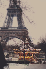 my snowy paris (Ana Lusa Pinto [Luminous Photography]) Tags: paris ana eiffeltower eiffel explore merrygoround luminous lu pinto lusa caroussel tiltshift explored