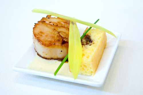 Seared scallop with sweet cornbread and corn shoots