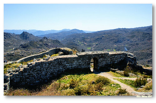 Ruínas do castelo de Castro Laboreiro #5 by VRfoto