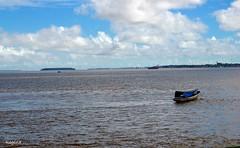 porque hoje  dia de calma .... (Regina.V) Tags: water gua boat barco peace calm calmaria