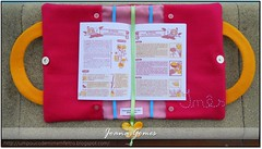 bolsinha com livro pequeno (Sonhos em Feltro) Tags: rosa livro feltro bolsa ins