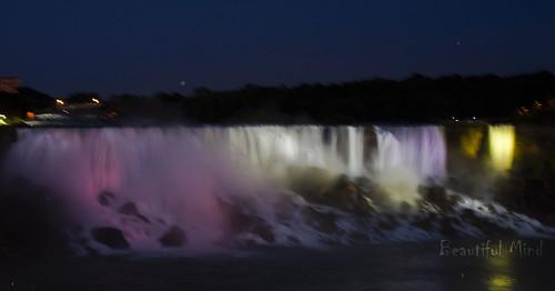 American falls at night_3