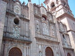 Morelia cathedral (1660-1744) (sftrajan) Tags: tower mxico architecture facade mexico torre morelia exterior cathedral kathedrale michoacn baroque turm michoacan fachada faade fassade facciata moreliacathedral