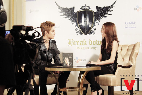 Kim Hyun Joong Channel V Thailand Interview [110907]
