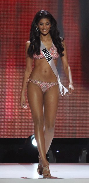 Vasuki Sunkavalli at 2011 Miss Universe