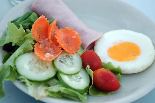 Sino-House Phuket Hotel - Salad, Ham and Egg