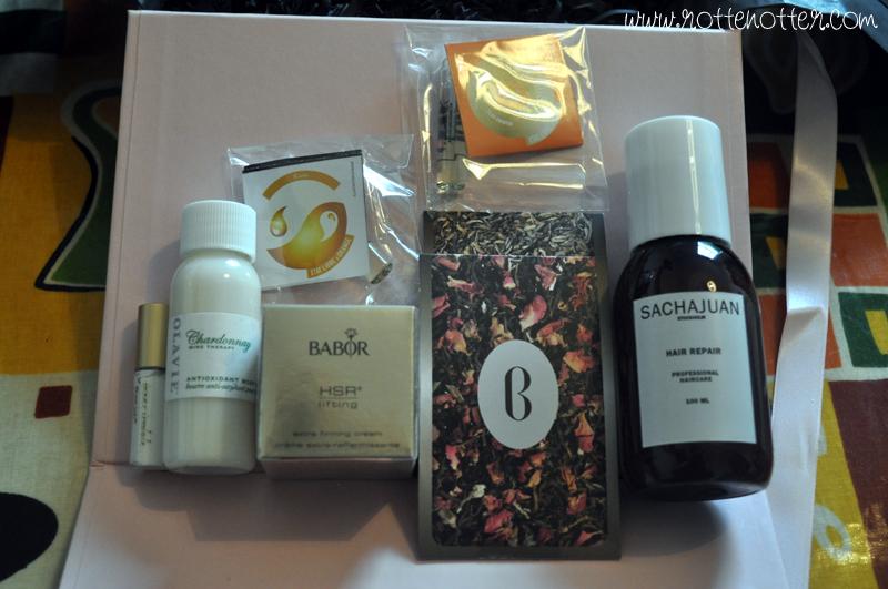 boudoir prive august box 01