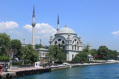 Istanbul: Dolmabahçe Mosque (zug55) Tags: turkey türkiye istanbul sultan ottoman bosphorus boğaziçi bosporus dolmabahçe osmanlı alem valide bezmi dolmabahçemosque dolmabahçecamii ottomanstyle