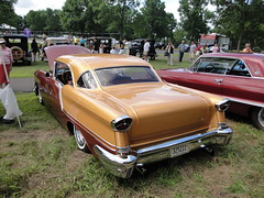 57 Oldsmobile (DVS1mn) Tags: new london cars car silver gm brighton antique anniversary run seven era 1957 brass 57 nineteen olds oldsmobile fifty generalmotors nlnb nlnbacr nineteenfiftyseven