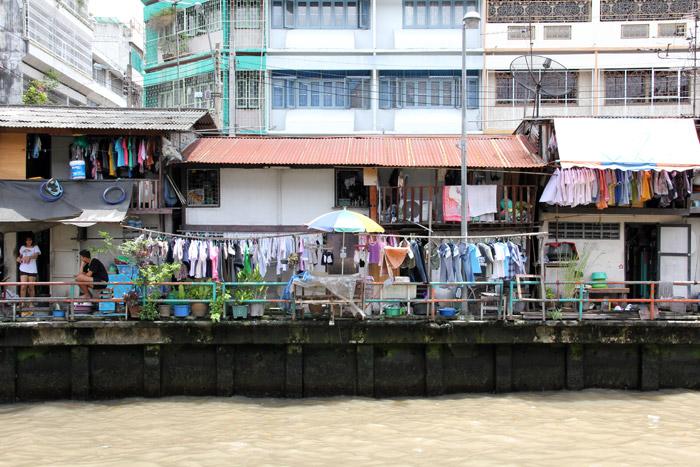 Homes along the Khlong Saen Saep canal