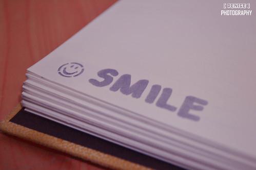 スマイルと書かれたノート