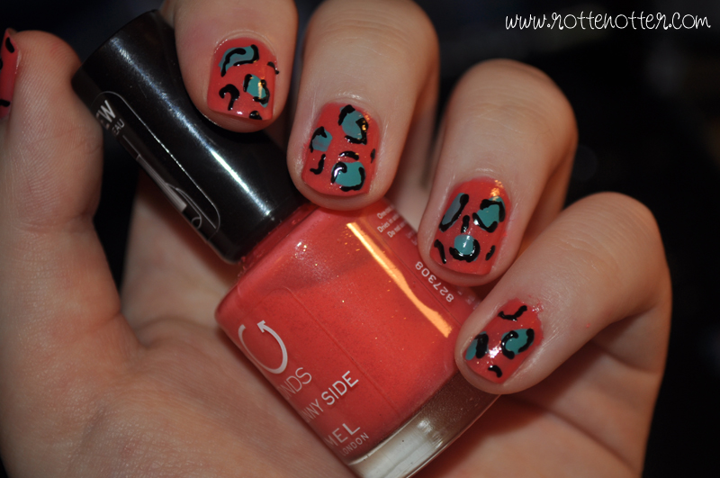 NOTD leopard nails rimmel sunny side models own wah nail art pen top turquoise polish