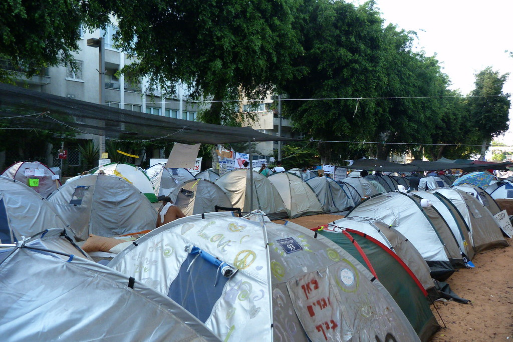 06-08-2011-justice-tents3