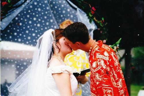 wedding kiss 001