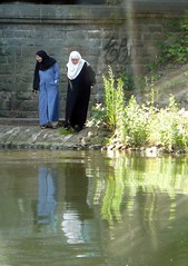 "Womenfolk on the riverbank • <a style=""font-size:0.8em;"" href=""http://www.flickr.com/photos/36398778@N08/6068842645/"" target=""_blank"">View on Flickr</a>"