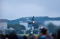 F-2 take off (gemapozo) Tags: festival japan tokyo friendship pentax aircraft f2 k5 fussa japaneseamerican jsdf jasdf yokotaairbase japaneseamericanfriendshipfestival  smcpfa300mmf45edif  ogps1