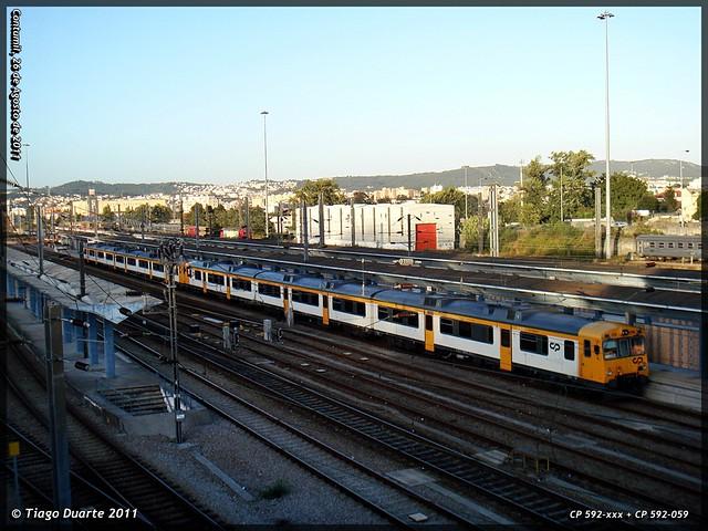 Série 592 (ex-RENFE) - Página 2 6083523125_1be010e3c0_z