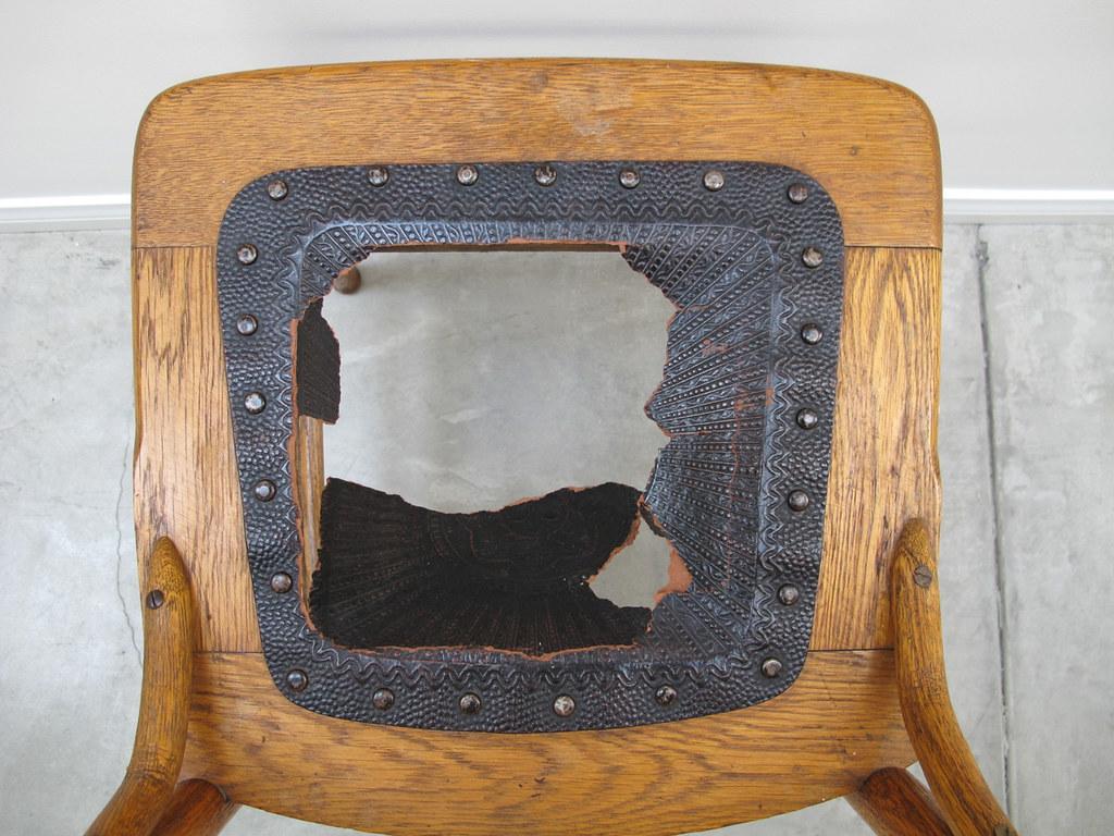 Antique oak drop-leaf table & chairs