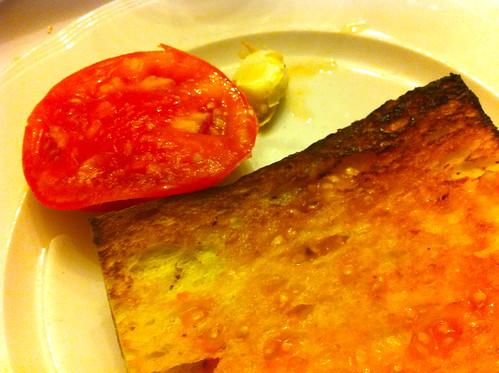 Tavèrnoles | Restaurant Fussimanya | Coca torrada amb tomàquet