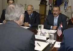 800px-Ali_Abdullah_Saleh_meets_Donald_H._Rumsfeld_at_Pentagon_2004